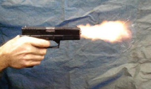 Barranca: cámara de seguridad capta a sicario disparando a un automóvil