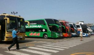 Terminal de Yerbateros: pasajeros viajan al interior del país por Navidad