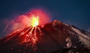 Italia: Monte Etna entra en erupción