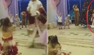 Rusia: anciano vestido de Papá Noel muere en show navideño para niños