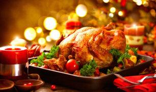 Compran pavos para cena navideña en el último momento