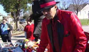 """EEUU: """"Pancho Claus"""", curioso personaje se roba el show en Navidad"""