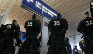 Dos personas con armas falsas causan pánico en aeropuerto de Francia