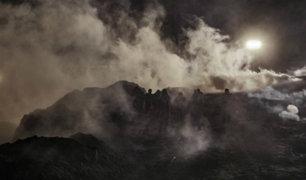 EEUU: migrantes intentan cruzar la frontera y les lanzan gases