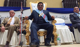 Alcalde cajamarquino exigió un trono para su juramentación