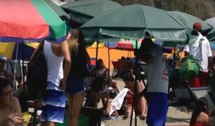Chorrillos: comerciantes lotizan playa Agua Dulce con sombrillas y perezosas