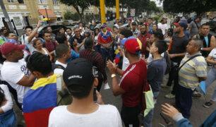 Venezolanos tomaron las calles para realizar un plantón frente a su embajada en Lima