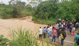 Junín: desborde de río Shankivironi bloqueó carretera en Chanchamayo
