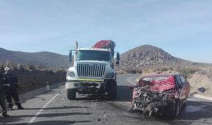 Moquegua: choque entre camión y auto deja un muerto y tres heridos
