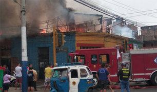 Incendio afectó varias viviendas del jirón Villacampa en el Rímac