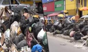 Vecinos denuncian que cerros de basura contaminan las calles de San Juan de Miraflores