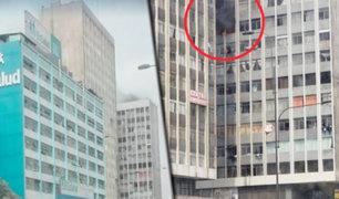 Cercado de Lima: reportan incendio en edificio de la avenida Abancay