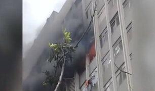 Edificio multifamiliar vuelve a ser afectado por incendio luego de 6 meses
