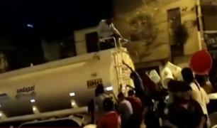 SJL: damnificados desesperados por conseguir agua potable