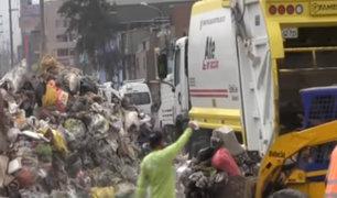 Municipio de Ate ayuda con los trabajos de limpieza en SJM