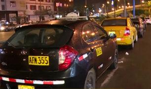 La Victoria: taxistas toman av. México como paradero informal