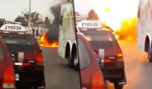 Chiclayo: auto que estaba en marcha explota en la vía de Evitamiento