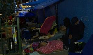 Ate: padres se amanecen haciendo colas para conseguir vacantes en colegio