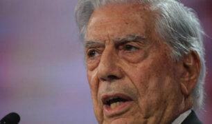 """Mario Vargas Llosa renuncia al PEN Club por apoyar """"el golpe de Estado"""" en Cataluña"""