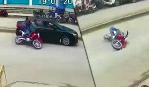Jaén: auto embiste a pareja de esposos que iba en moto lineal