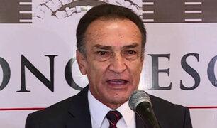 Congresista Becerril se reunió con cabecilla de 'Los Temerarios del Crimen'