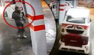 San Juan de Lurigancho: ladrón roba mototaxi del garaje de un hostal