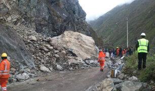 Deslizamiento de rocas deja un muerto en la Carretera Central