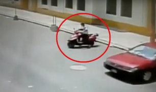Breña: sujeto es captado robando motocicleta cerca al Hospital del Niño