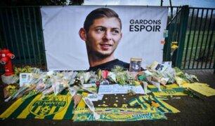 Aficionados terminan detenidos en estadio tras burlarse de Emiliano Sala