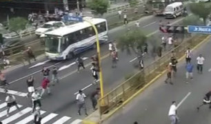Peleas entre barristas generó pánico en diversos puntos de Lima