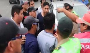 Fiscalizadores son atacados por transportistas informales en terminal terrestre de Yerbateros