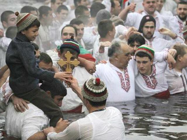 Cristianos ortodoxos celebraron la Epifanía por Navidad
