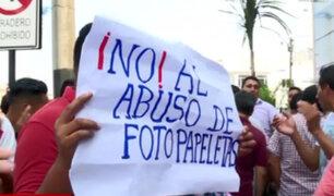 Colectiveros informales protestaron en Miraflores