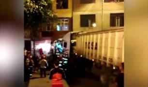 Tráiler se estrelló contra un taller de radiadores en el Callao