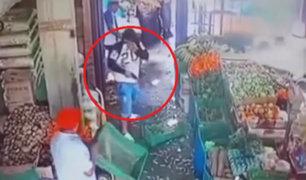 Piura: delincuentes asaltan a comerciante al interior de mercado de Talara