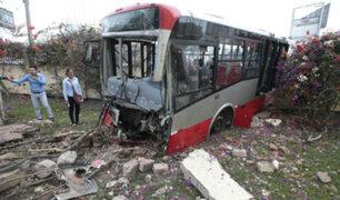 Pueblo Libre: Bus del Corredor Rojo se estrella contra fachada de iglesia evángélica