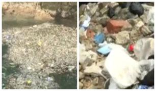 Alarma en Pucusana: playa con grandes cúmulos de basura y desperdicios