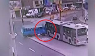 Vía exclusiva del Metropolitano convertido en escenario de accidentes