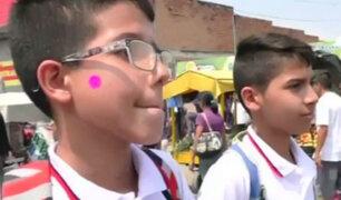 Escolares venezolanos cruzan a colegios de Colombia para recibir comida