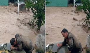 Moquegua: policía arriesgó su vida para salvar armamento tras desborde de río
