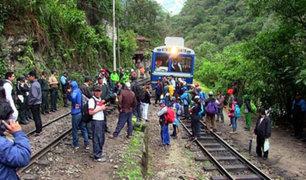 Turistas varados: bloquean vías de tren a Machu Picchu