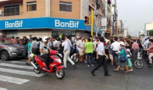 Lince: Policía en retiro recibió disparo durante asalto a casa de cambio