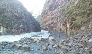 Yauyos: rescatan cuerpos de madre e hijo sepultados por alud