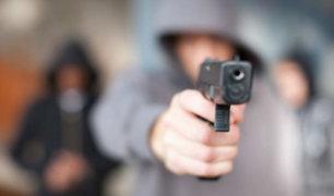"""Huancayo: """"marca"""" asalta a cliente a la salida de una ferretería"""