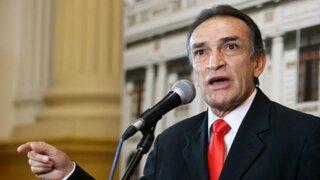 Héctor Becerril solicitó licencia temporal a la bancada fujimorista y al partido Fuerza Popular