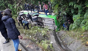 Cusco: fiscal y dos policías mueren tras caída de bus a un abismo