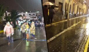 Intensa lluvia en Arequipa inunda viviendas y causa aniegos en calles