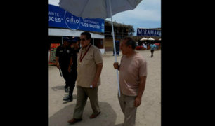 Huarmey: regidor podría ser vacado tras utilizar a trabajador para que le sostenga una sombrilla