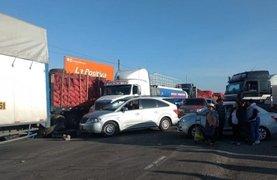 Arequipa: transportistas de carga pesada mantienen bloqueado el ingreso a la ciudad