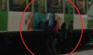 Así operan vándalos para pintar vagones del Metro de Lima